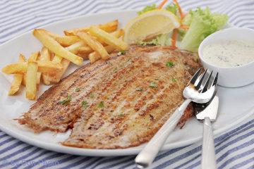 Классический французский рецепт жареного морского окуня