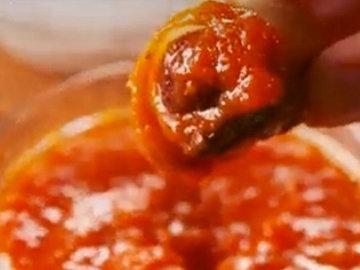 Подавать с соусами