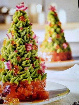 Подать со свежим листовым салатом и багетом