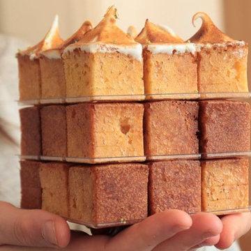 Разрезать пирог на кубики
