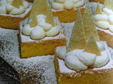Торт с заснеженными горами