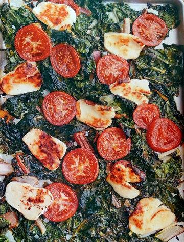 Закуска Сыр халуми, запеченный с овощами