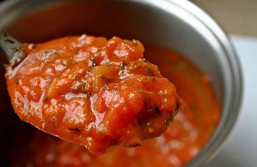 Как приготовить томатный соус из свежих помидоров в кастрюле