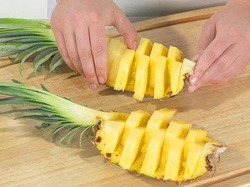 способ чистки ананаса 3