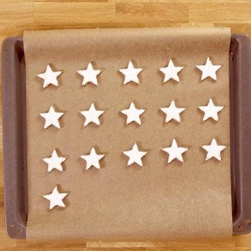 9. звезды положить их на противень