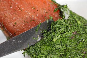 Как солить рыбу GRAVED LACHS и форель целиком 6