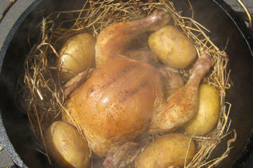 Курица на костре, приготовленная в сене 2