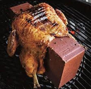 Курица на костре с кирпичом 1