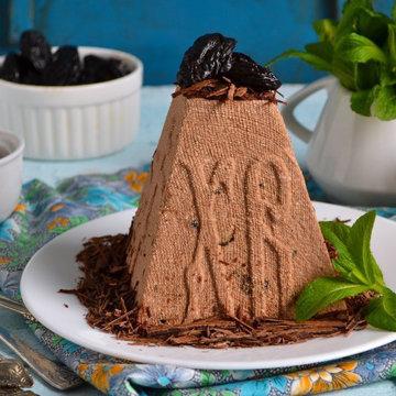 Попробуйте шоколадную пасху с черносливом