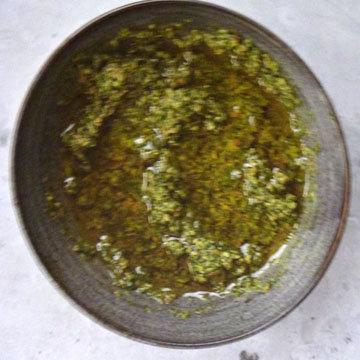 Зеленый соус из стеблей 2