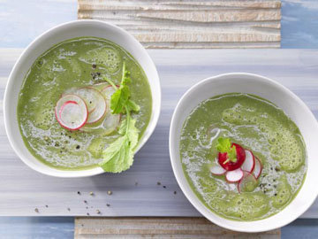 Овощные листья для салатов, песто и смузи