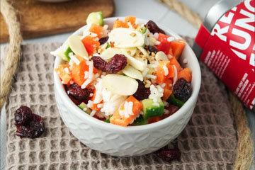 6. Рисовый салат с клюквой_