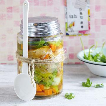 Как приготовить очень вкусный овощной суп с курицей