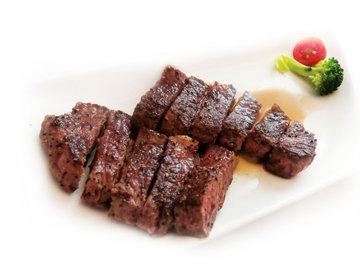Жареное мясо на сковороде