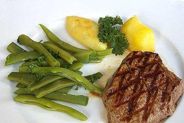 Как готовить жареное мясо с гарниром