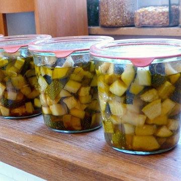 Рецепт кисло-сладких маринованных кабачков быстрого приготовления
