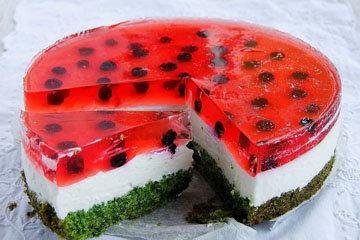 Как выпечь торт Арбуз с кремом