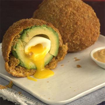 Яйца по-шотландски с авокадо Динозавры