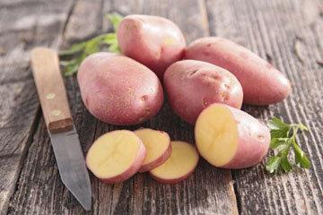 8. Как быстро очистить вареный картофель