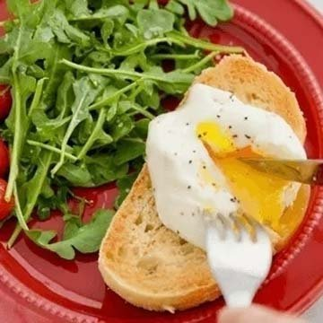 Как приготовить яйца-пашот в микроволновой печи 1