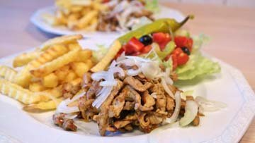 Гирос - жареное мясо с овощами
