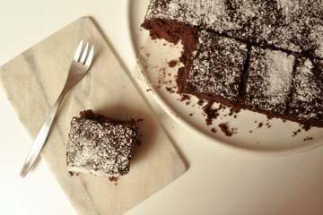 в тесто добавляют и мелко нарезанные кусочки лакрицы