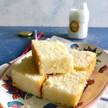 Как сделать горячий молочный пирог легким и пушистым