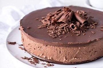 Шоколадный торт без выпечки из печенья и шоколада 3