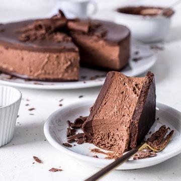 Шоколадный торт без выпечки из печенья и шоколада 4