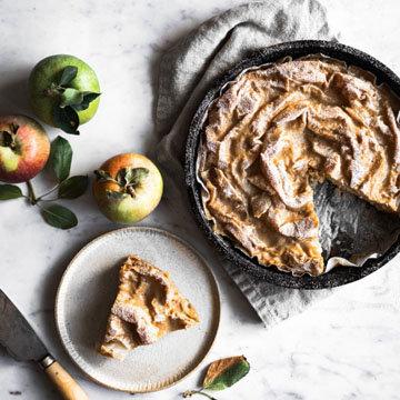 Яблочный молочный пирог 1