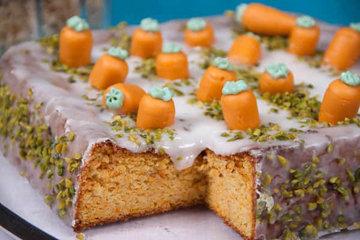 Как украсить морковный пирог