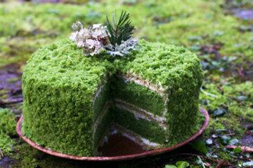 Зеленый торт с крапивой Изумрудный
