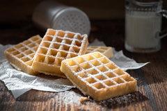 8. День вафель National Waffle Day в США